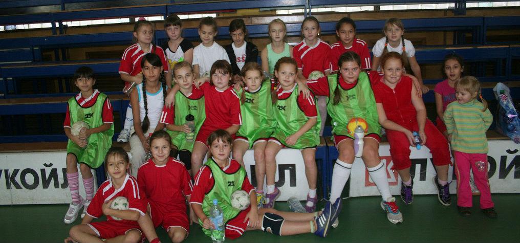 1 предварительный этап всероссийских соревнований «Юный гандболист» среди команд девушек 2002 г.р.