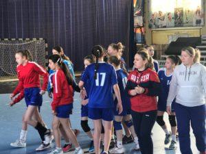 1 день игр полуфинала Всероссийских соревнований по гандболу  среди девушек 11-12 лет (2005-2006 г.р.)
