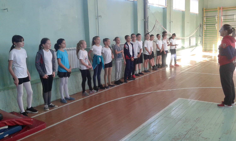 Спортивный открытый урок в общеобразовательном учреждении города Астрахани «СОШ № 1» по гандболу