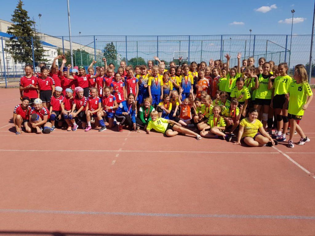 Славный город Волгоград принёс нашим юным гандболисткам победу!